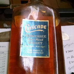 cascade_tennessee_whiskey_half_pint_1971_back