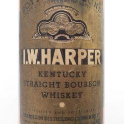 i_w_harper_bonded_bourbon_1941-1946_front_label