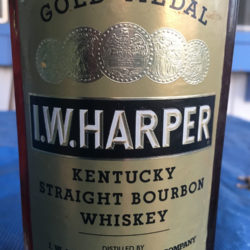 iw_harper_5_year_bourbon_portugal_export_1972_front_label