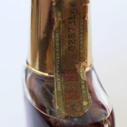 old_kentucky_tavern_bonded_bourbon_half_pint_1952_1959_strip1