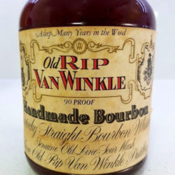 old_rip_van_winkle_10_year_90_proof_bourbon_1983_front_label