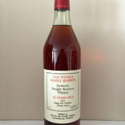 van_winkle_family_reserve_12_year_lawrenceburg_red_foil_front