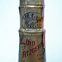 very_very_old_fitzgerald_18_year_121_proof_bourbon_blackhawk_bottle_capsule